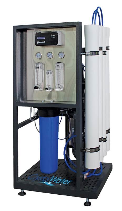 Komerčná reverzná osmóza s výkonom do 1m³ demineralizovanej vody za hodinu.