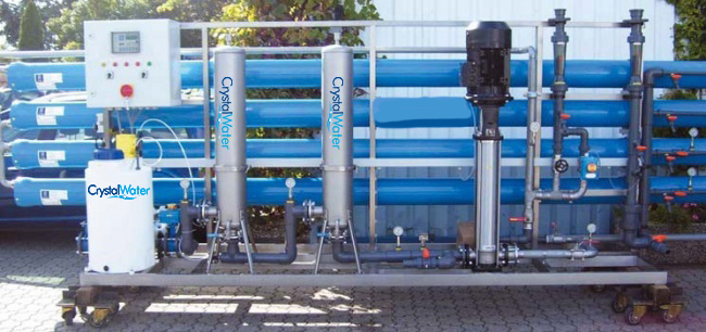 Priemyselná reverzná osmóza s výkonom do 16m³ demineralizovanej vody za hodinu.