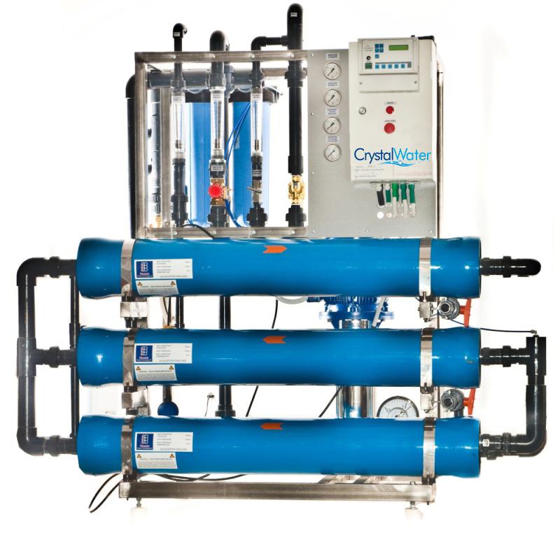 Priemyselná reverzná osmóza s výkonom do 3m³ demineralizovanej vody za hodinu.